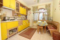 Отдельные дома в Крыму! Феодосия набирает популярность - Просторная кухня