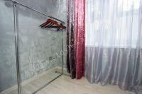 Отдых-Кафа предложит дом недорого! Феодосия готова к сезону - Небольшая гардеробная.