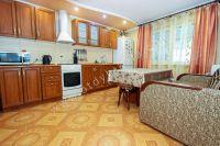 Отдых-Кафа предложит дом недорого! Феодосия готова к сезону - Просторная кухня.