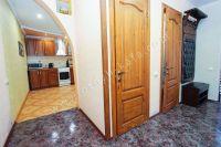 Отдых-Кафа предложит дом недорого! Феодосия готова к сезону - Небольшая прихожая.