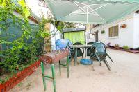 Отдых-Кафа предложит дом недорого! Феодосия готова к сезону - Беседка во дворе.