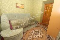 Отдых-Кафа предложит дом недорого! Феодосия готова к сезону - Небольшая проходная спальня