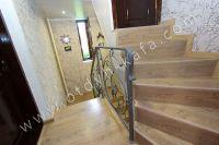 Встречает курортная Феодосия. Дом под ключ снять просто - Винтовая лестница.