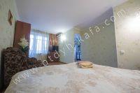 Крымские туристы выбирают Феодосию! Недорогое жильё у моря - Плазменный телевизор.