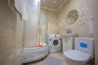 Крымские туристы выбирают Феодосию! Недорогое жильё у моря - Современная ванная комната.