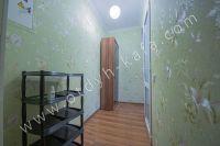 Крымские туристы выбирают Феодосию! Недорогое жильё у моря - Дополнительный шкаф.
