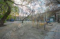 Крымские туристы выбирают Феодосию! Недорогое жильё у моря - Большой двор.