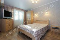 Проведите отдых в Феодосии, цены приемлемы - Удобная двуспальная кровать