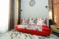 Феодосия: Отдых летом на берегу моря - Удобное расположение мебели.