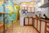 Доступное жилье: Феодосия, квартира у моря - Современная кухня