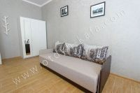 Курортная Феодосия, цены на жилье - Удобный двуспальный диван.