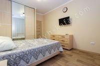 Планируете отдых в Феодосию? Квартира в центре, отличный выбор - Вместительный шкаф.