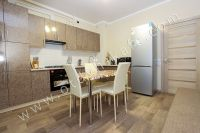 Планируете отдых в Феодосию? Квартира в центре, отличный выбор - Вместительный холодильник.