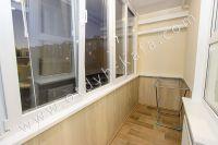 Планируете отдых в Феодосию? Квартира в центре, отличный выбор - Удобный балкон с видом во двор.