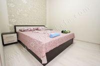 Снять жилье в Феодосии на берегу моря - Удобная двуспальная кровать.