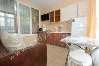 Снять жилье в Феодосии на берегу моря - Отдельная кухня-студия.