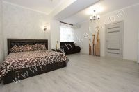 Феодосия! Снять жилье недорого? В помощь «Отдых-Кафа» - Комфортная двуспальная кровать.