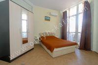 Предлагаем отличное жилье! Феодосия: квартира у моря - Комфортная двуспальная кровать.