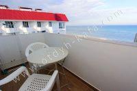 Феодосия на неделю! Лучшие апартаменты на берегу моря - Небольшой видовой балкон.