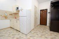 Феодосия: снять у моря квартиру будет просто - Небольшая кухня.