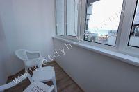 Крым, Феодосия — отдых на Восточном побережье - Балкон с видом на море.