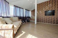 Недорого и посуточно? Феодосия — отличный выбор - Два комфортных дивана.