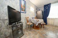 Доступная аренда квартиры в Феодосии - Вместительный холодильник.