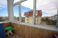 Доступная аренда квартиры в Феодосии - Небольшой балкон.