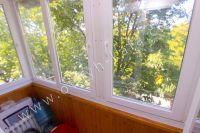 Приглашает Феодосия! Снять однокомнатную квартиру будет просто - Небольшой балкон.