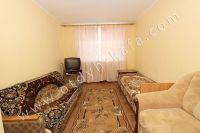 Феодосия: квартиры на лето, выгодно с Отдых-Кафа - Большая и светлая спальня