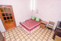 Феодосия: квартиры посуточно возле моря - Большая двуспальная кровать