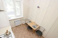 Для отличного отдыха, снимайте квартиры в Феодосии - Небольшой обеденный столик