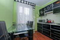 Отдых-Кафа поможет снять квартиру в Феодосии на лето - Небольшой обеденный стол.