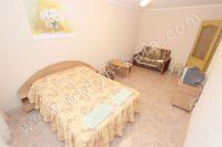 Шикарная квартира в центре Феодосии - Широкая двуспальная кровать