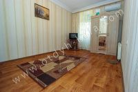 Экономный отдых на море в Феодосии - Большая светлая спальня.