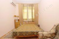 Жилье в Феодосии: квартиры по цене недорогих гостиниц  - Широкая двуспальная кровать