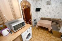 Без труда снять квартиру в Феодосии! В 2018 году цены прошлогодние - Небольшая кухня