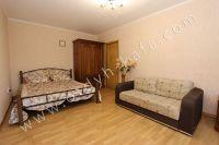 Стоимость квартир в Феодосии осталась без изменений - Просторная двухспальная кровать