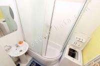 Современные 2 комнатные квартиры в Феодосии - Удобная душевая кабина
