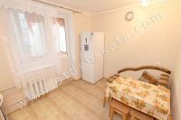 Снять двухкомнатную квартиру в Феодосии недалеко от пляжа - Вместительный холодильник