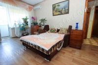 Снять двухкомнатную квартиру в Феодосии недалеко от пляжа - Удобная мягкая мебель.