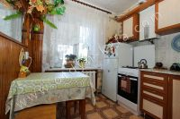 Снять двухкомнатную квартиру в Феодосии недалеко от пляжа - Уютная кухня.