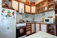 Снять двухкомнатную квартиру в Феодосии недалеко от пляжа - Вместительный холодильник.