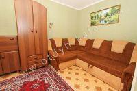 Не высокая стоимость квартиры посуточно в Крыму - Большой угловой диван