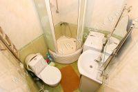 Не высокая стоимость квартиры посуточно в Крыму - Совмещенный санузел с душевой