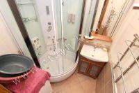 Феодосия: жилье у моря недорого с хорошим ремонтом - Небольшая душевая кабина