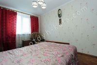 Снять квартиру в Феодосии посуточно, недорого и без хлопот - Светлое окно.