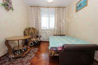 Снять квартиру в Феодосии посуточно, недорого и без хлопот - Спальня на трех человек.