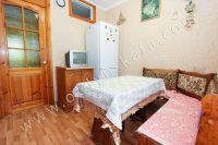 Снять квартиру в Феодосии посуточно, недорого и без хлопот - Вместительный холодильник.