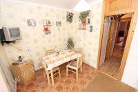 Снять квартиру в Феодосии посуточно, недорого и без хлопот - Удобный обеденный стол